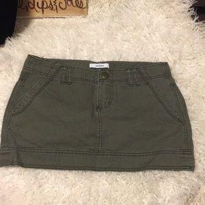 🍀6/$60 Express green mini skirt size 4